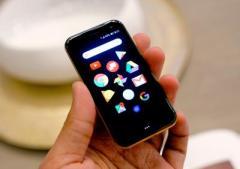 Возрожденный бренд Palm представил ультракомпактный смартфон