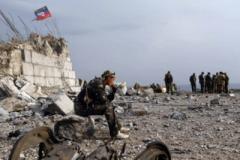 Новые позиции боевиков на Донбассе: траншеи уже около жилых домов, обострений не избежать