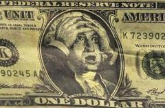 Курс доллара резко изменится под елку: как глупость правительства уничтожает гривну
