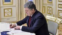 Порошенко подписал законы о растаможке и новых штрафах для «евроблях»