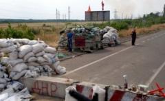 """На блокпості бойовиків """"ДНР"""" знову жахливі черги: Стоять по 12 годин"""