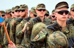 Украинцам не связанным с армией запретили носить военную форму