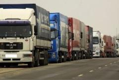Через неконтролируемые пункты пропуска на границе в РФ едут грузовики с неизвестными грузами