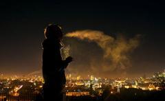 Курить на балконе запретят: новый закон уже в Раде