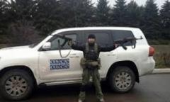 Вооруженные боевики «ДНР» под Горловкой обыскивают авто наблюдателей СММ ОБСЕ