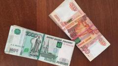 Украинца задержали на границе с миллионом рублей в ботинках