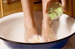 Можно ли парить ноги с горчицей во время простуды