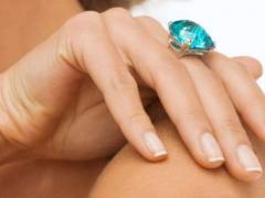 Медики рассказали, как кольца на пальцах влияют на здоровье