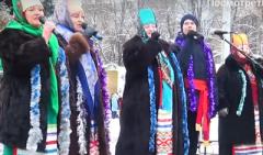 Развлекают бабушки в кокошниках, а людей нет: Опубликовано видео новогоднего празднования в  оккупированной Горловке. ВИДЕО