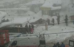 В неподконтрольной Макеевке от снега рухнул торговый ряд, есть пострадавшие