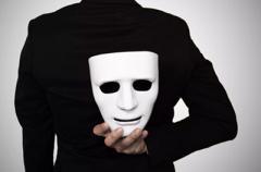 Не спешите им доверять: знаки зодиака, которые ведут двойную игру
