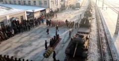 Сеть взорвали кадры, как в России с почестями встретили старые танки Т-34: неприятный факт сильно разозлил россиян