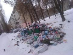 Мусор в Донецке: в грязи утопает целый район. Отходы хотят отнести Пушилину