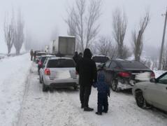 Ситуация на блокпостах: Сложная ситуация на «Каргиле» и в Горловке. Сотни машин, гололед