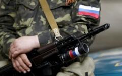 На оккупированном Донбассе местные жители в упор расстреляли российского военного, открывшего огонь по мирным