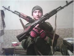 Боевик «ЛНР» ударил себя ножом под сердце