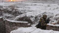В зоне ООС 10 обстрелов за сутки, ранены двое украинских военнослужащих