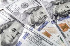 Доллар и евро не устояли перед гривной: свежий курс валют