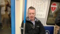 «Едет к Гиви за Мотороллой»: в сети опубликовали фото Гиркина в метро