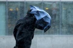 В Украине разбушевался ветер: объявлен оранжевый уровень опасности