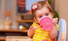 Комаровский рассказал, какие напитки для детей самые полезные