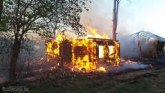 Один из поселков ОРДО попал под обстрел: горит частный дом