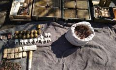 В «ЛНР» вблизи шахты нашли тайник с оружием и боеприпасами