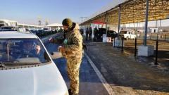КПВВ «Марьинка» попал под под обстрел: ранен пограничник, приостановлен пропуск граждан