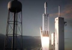 SpaceX провела первый коммерческий запуск самой мощной ракеты в мире (ВИДЕО)