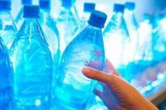 Стало известно, почему опасно повторно использовать пластиковые бутылки
