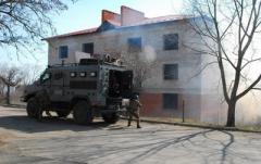 Боевики обстреляли жилые дома и школу на Донбассе