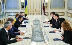 В команде Зеленского определились с советником и с министром иностранных дел