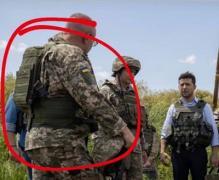 Ждет выстрелов в спину: в сети ажиотаж из-за фото главы ВСУ на передовой