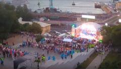 """Во время """"предвыборного"""" концерта на Потемкинской лестнице рухнула металлоконструкция (ВИДЕО)"""