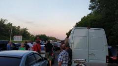 Ситуация на КПВВ «ДНР»: «В Горловке очень много машин и людей, движения нет»