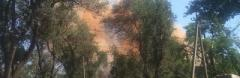 """Мариуполь накрыл оранжевый дым, который в Метинвесте назвали """"мелочью"""""""