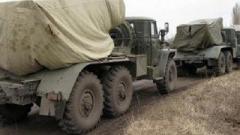 Боевики «ЛНР» в н.п. Суходольск ночью перегружают грузы из вагонов в военные грузовики