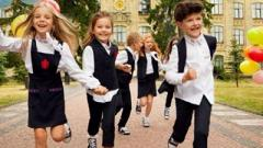 Зеленский отменил указ об обязательной школьной форме для учеников