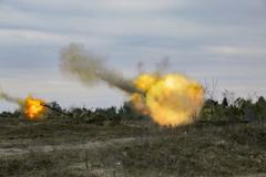 """Стрелков: """"Под Донецком и Горловкой всю ночь шли артиллерийские бои, гремели канонады - у нас огромные потери"""""""
