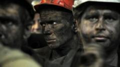 «Не можем смотреть на детей — они голодные!»: шахтеры в «ЛНР» требовали выплатить зарплату. ВИДЕО
