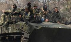 Боевики «ЛНР» в Кадиевке размещают БТРы и МТ-ЛБ возле жилых домов