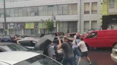 В Киеве неизвестные напали на Порошенко. ВИДЕО