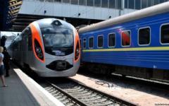 Укрзализныця грозится сократить пассажирские перевозки