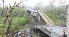 Террористы «ЛНР» не разрешают саперам ГСЧС разминировать территорию у моста в Станице-Луганской