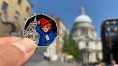 В Британии выпустили юбилейные монеты с мишкой Паддингтоном