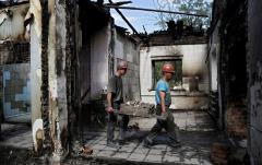 Зеленскому предложили выплатить переселенцам компенсацию за утраченное жилье