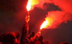 Бунт вспыхнул в Киеве, разъяренная толпа кинулась на рельсы: что происходит