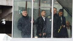 В Киеве установили личность мужчины, угрожающего взорвать мост: на место ЧП прибыл Аваков