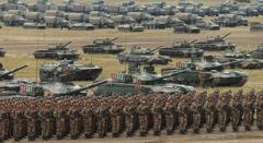 Россия проводит масштабные военные учения на Донбассе - Минобороны