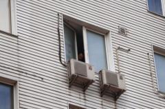 На глазах у сына: в Киеве женщина совершила суицид